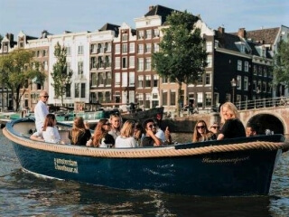 Open private boat with skipper 'Haarlemmerpoort'
