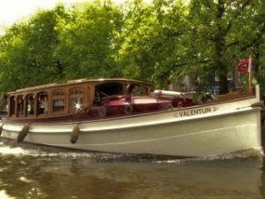 Private boat tour classic luxury saloon boat Valentijn