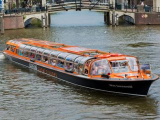 Cheap Amsterdam Canal Tour with Plas Company
