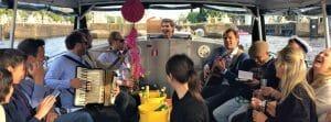 Salonboot sloep huren Amsterdam boottocht grachten Sloepvrienden